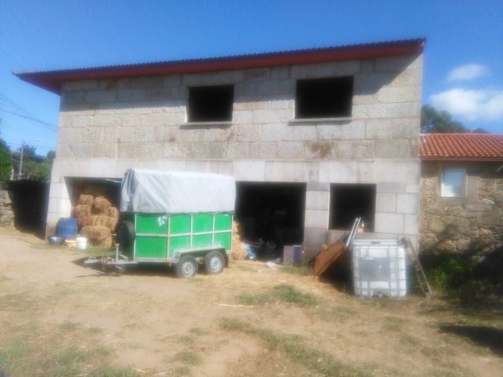 Casa de piedra en construcci n en soutelo inmobiliaria - Construccion casa de piedra ...